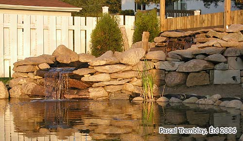 DIY Garden Waterfalls - Pondless waterfall